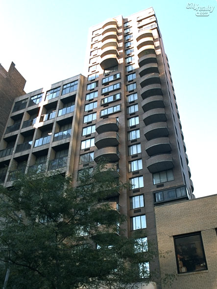 L'Isola - 157 East 32nd Street