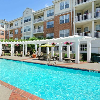 The Landings at Port Imperial, 4 Avenue at Port Imperial