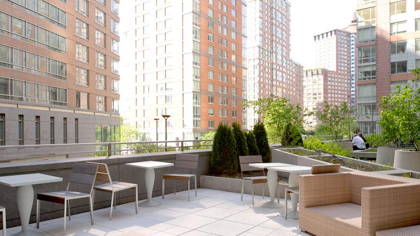 Riverhouse - One Rockefeller Park, 2 River Terrace