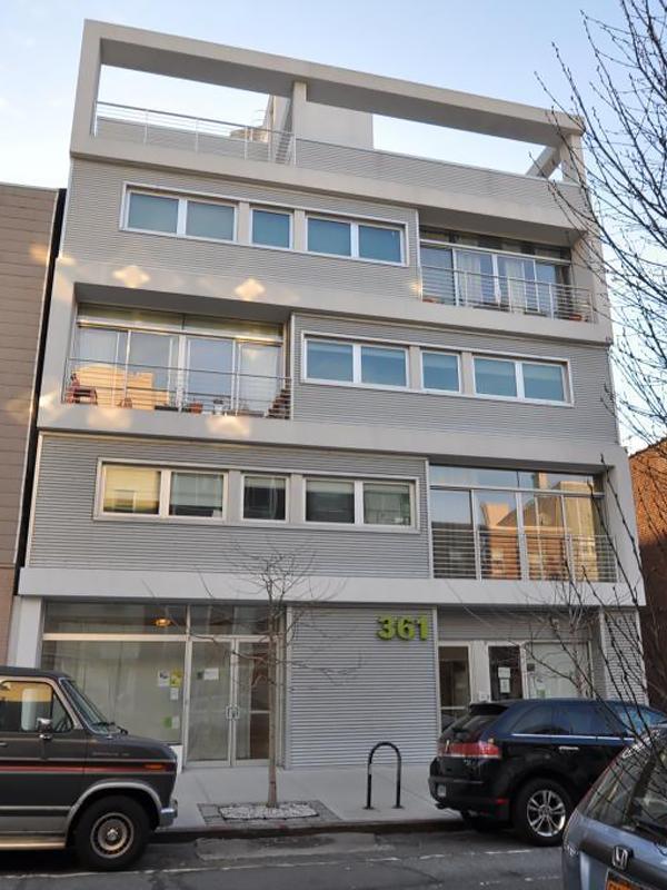 Greenbelt Brooklyn, 361 Manhattan Avenue