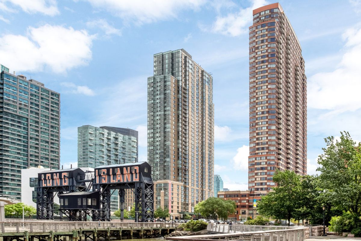 Citylights, 4-74 48th Avenue