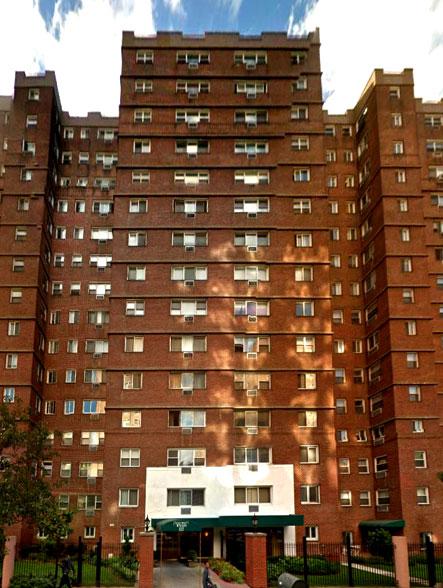 University Towers, 122 Ashland Place
