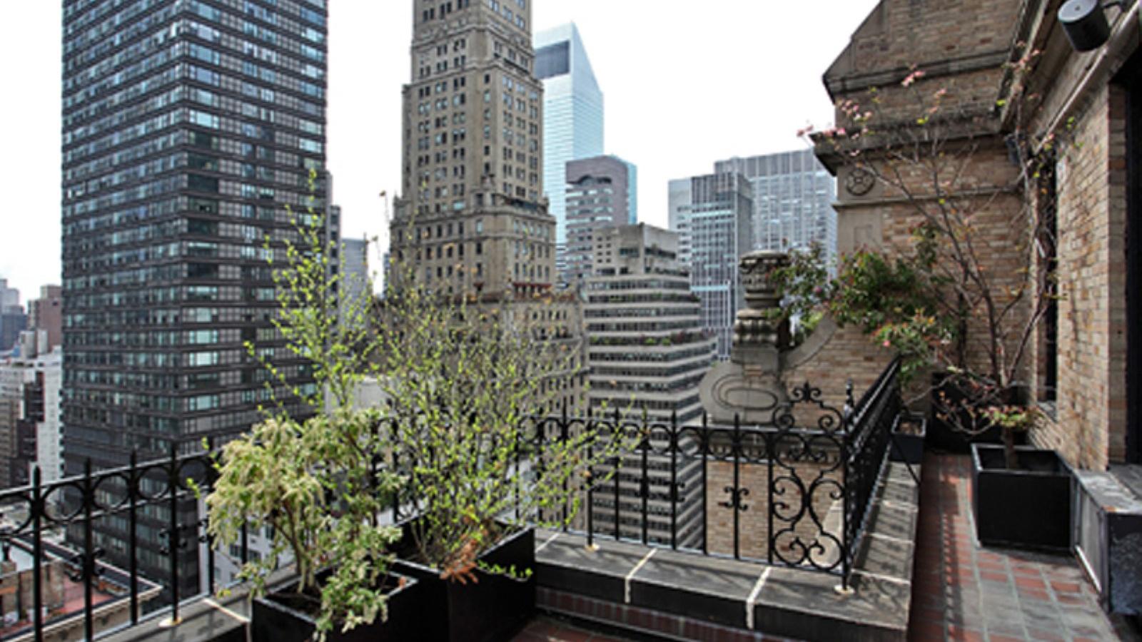 The Antoinettes, 480 Park Avenue