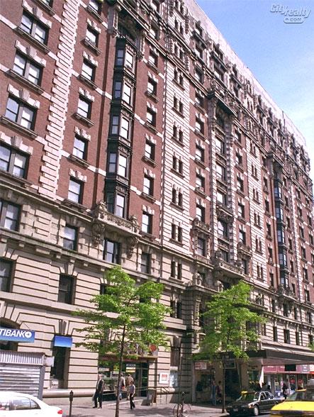 Bretton Hall, 2350 Broadway