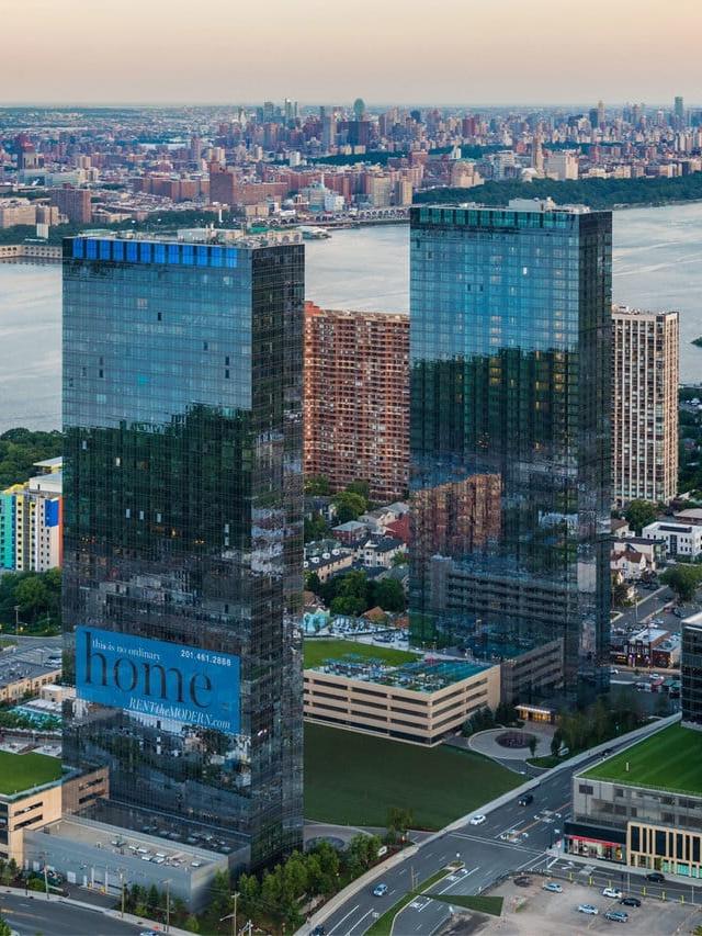 The Modern, 100 Park Avenue