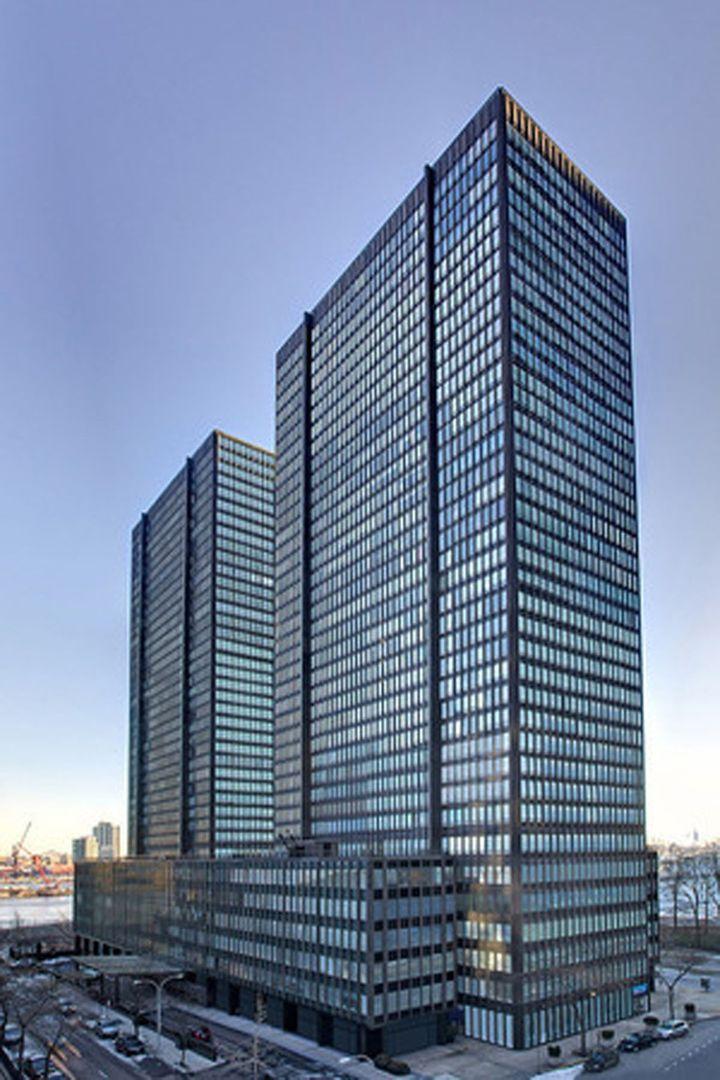 870 United Nations Plaza