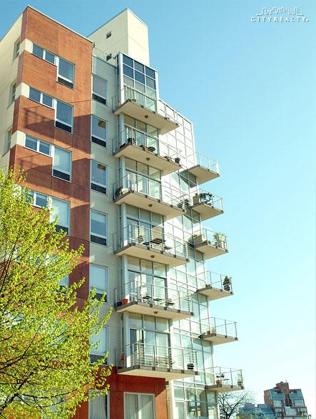 Manhattan Park - 297 Driggs Avenue