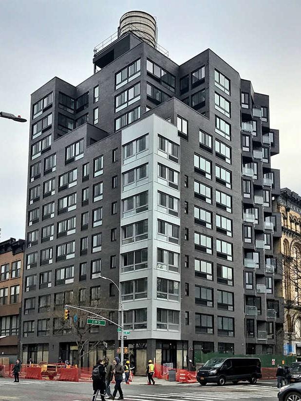 Tower 119, 2183 Third Avenue