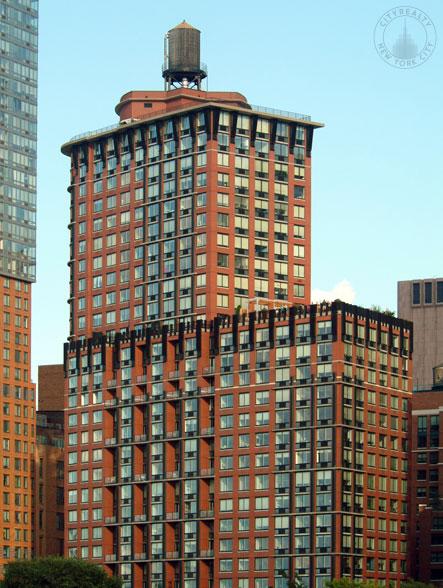 Tribeca Park - 400 Chambers Street