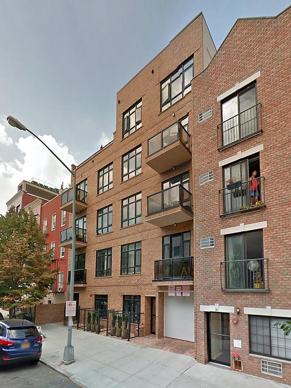 Greenpoint Plaza Condominium, 199 Huron Street