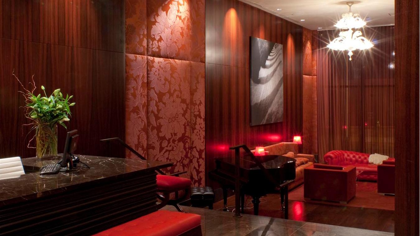 Greenwich Club, 88 Greenwich Street