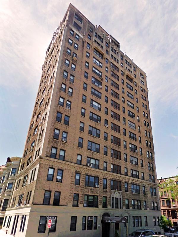 1 Plaza Street West