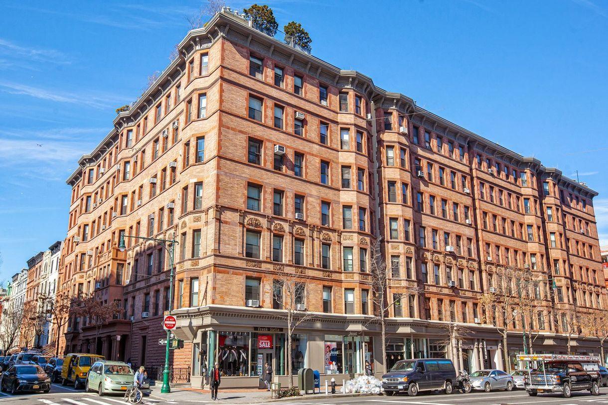 The Endicott, 101 West 81st Street
