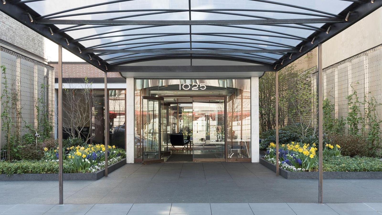 1025 Fifth Avenue