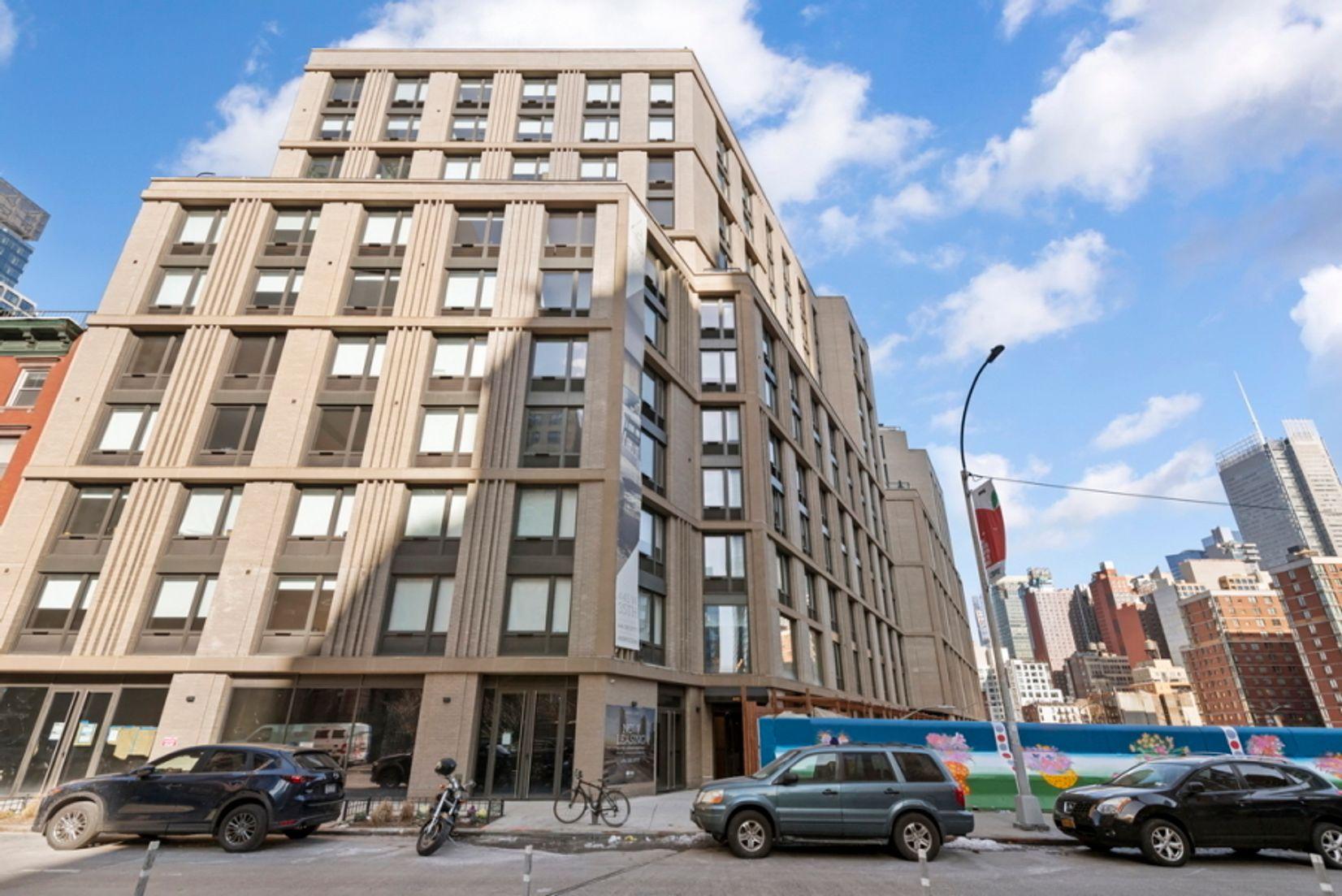 445 West 35th Street