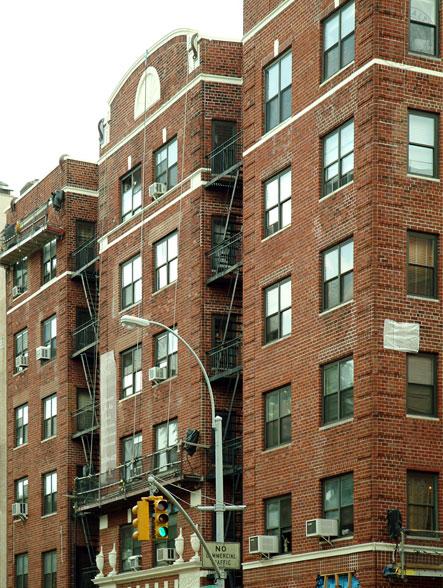 425 Central Park West
