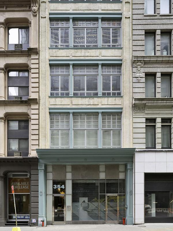 D'Arte House, 354 Broadway