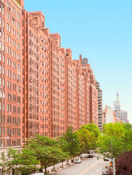 London Terrace Gardens, 425 West 23rd Street