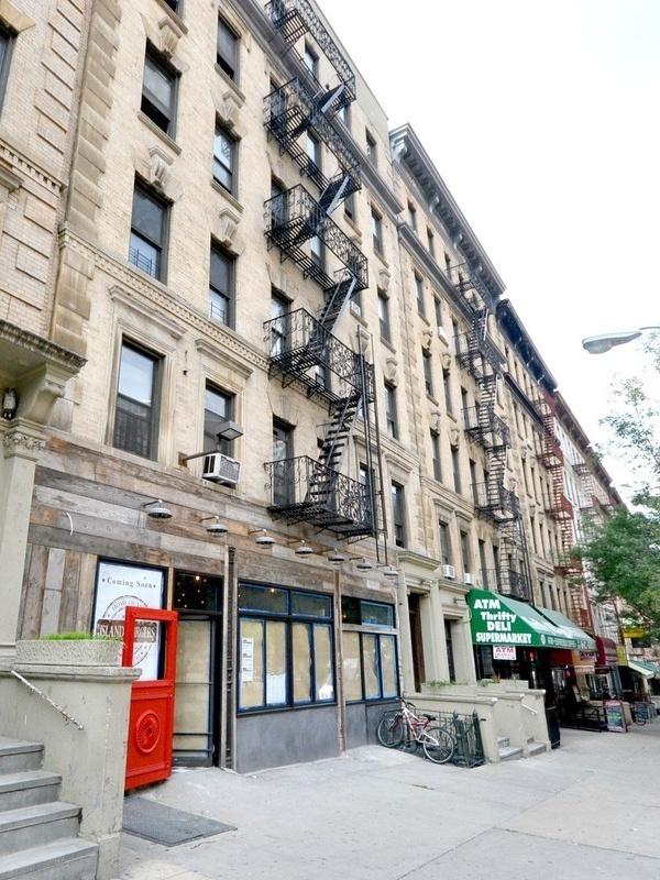 Summit Residences, 3149 Broadway