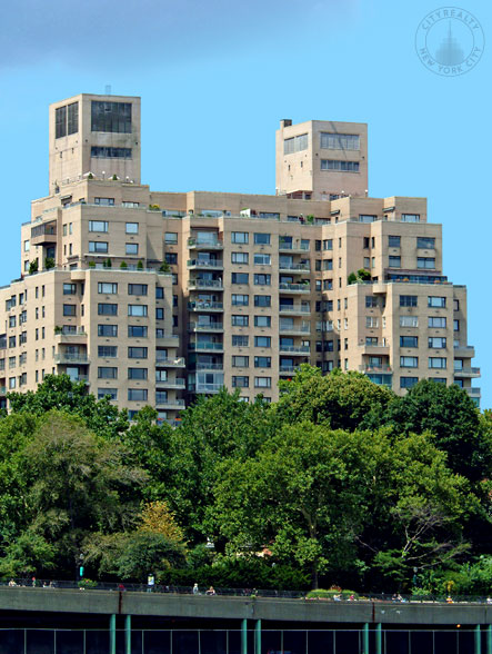 Gracie Towers - 180 East End Avenue