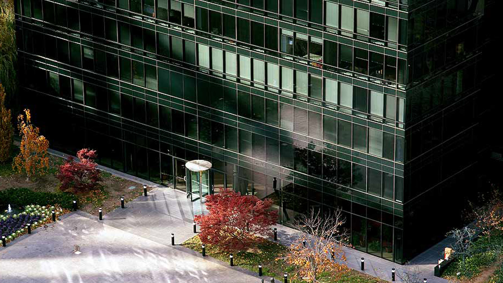 One Sutton Place North, 420 East 61st Street