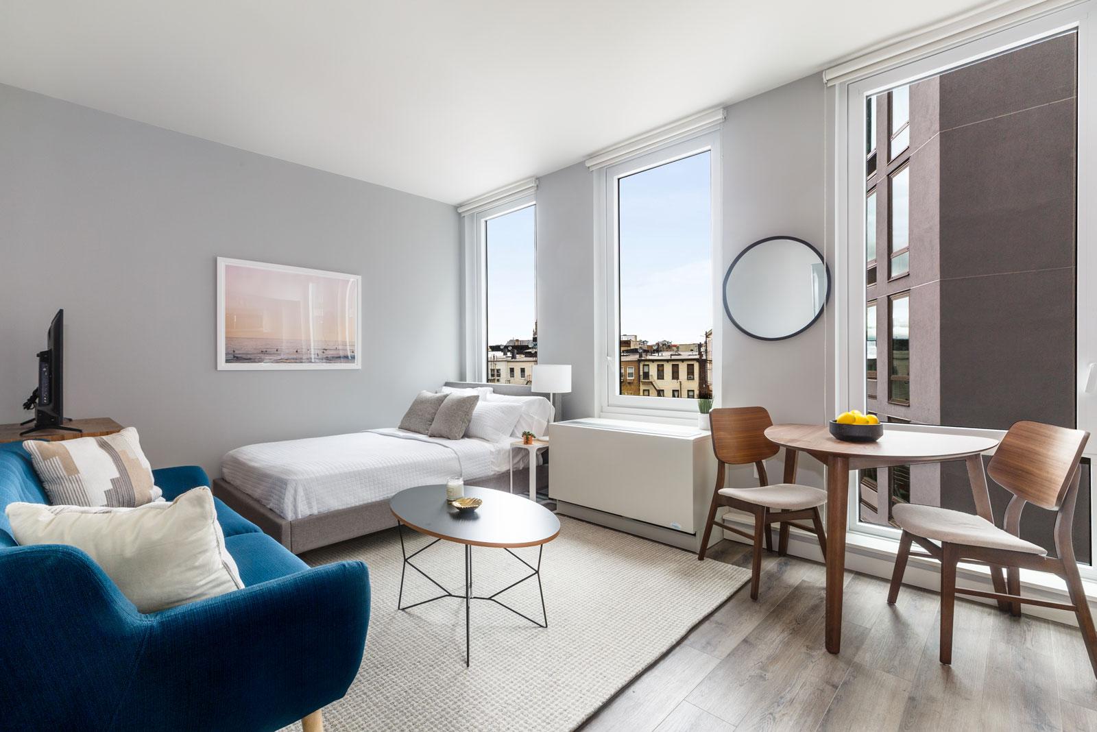 470 Manhattan, 470 Manhattan Avenue