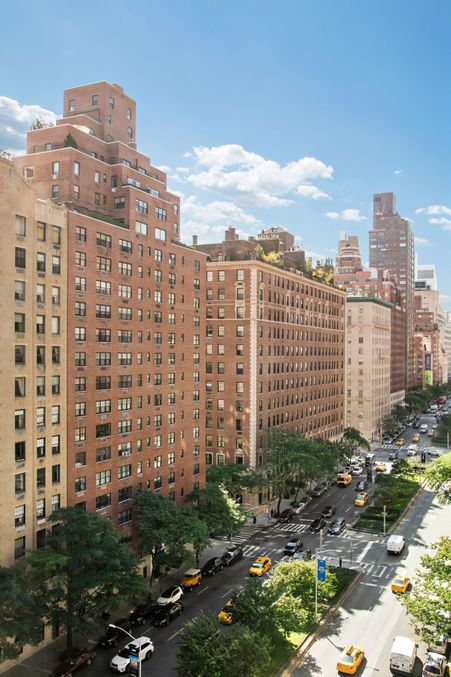 800 Park Avenue