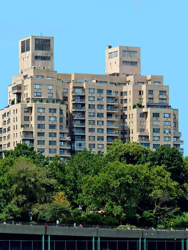 Gracie Towers, 180 East End Avenue