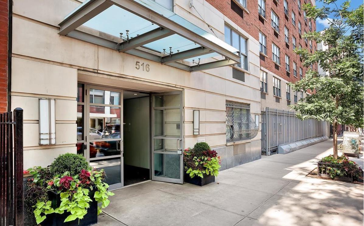 Clinton West, 516 West 47th Street