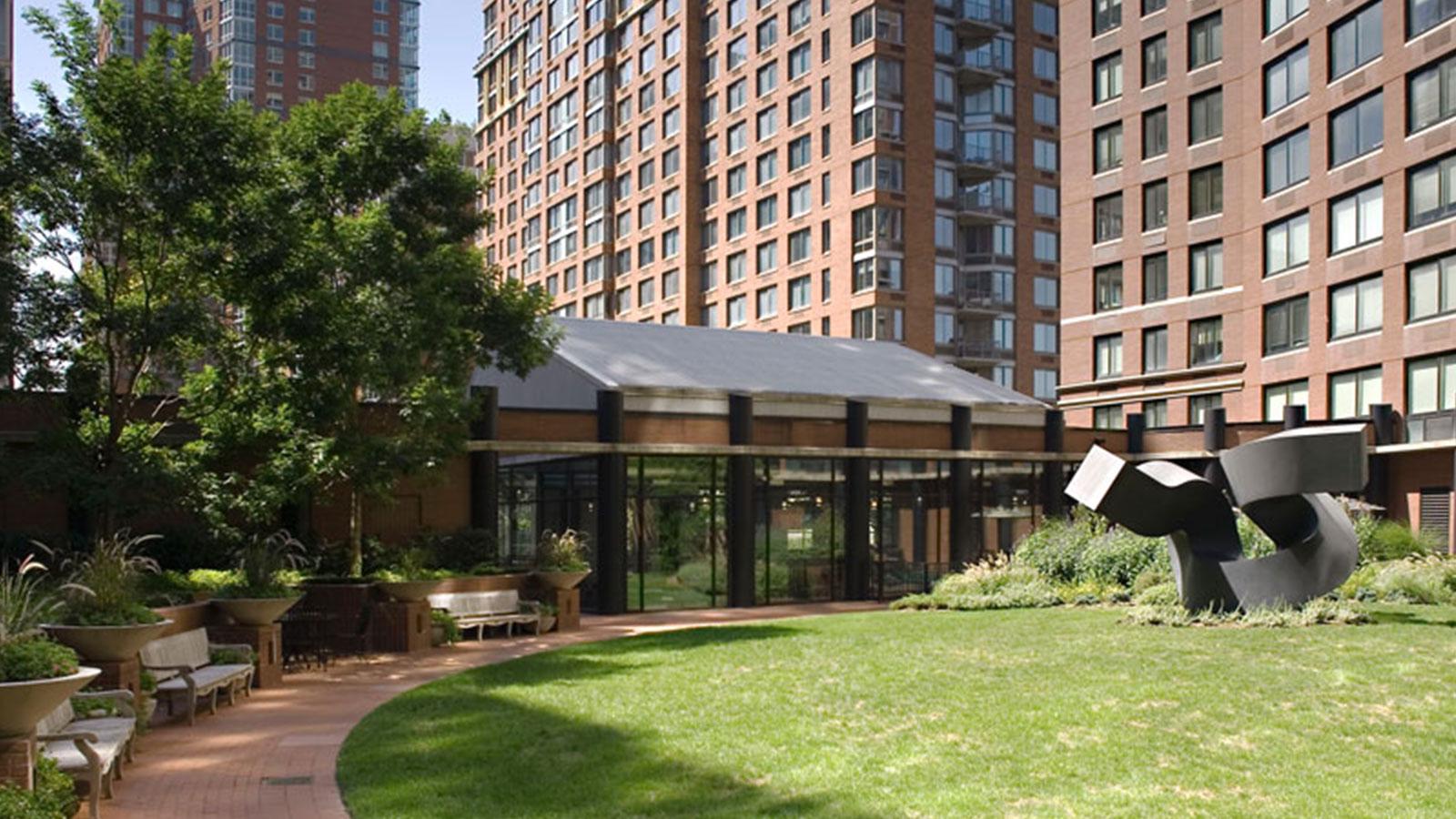 Tribeca Park, 400 Chambers Street