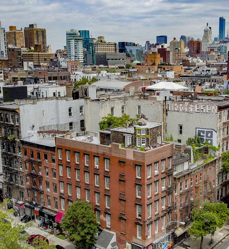 East Village New York Apartments: The Minthorne House, 72 East 1st Street, NYC