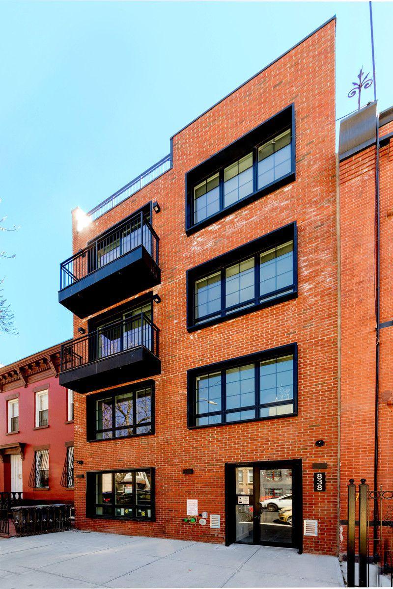 838 Quincy Street