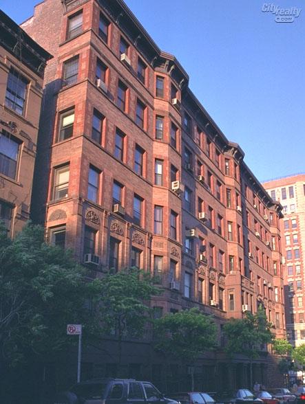 Between Columbus Avenue Amsterdam Broadway Corridor