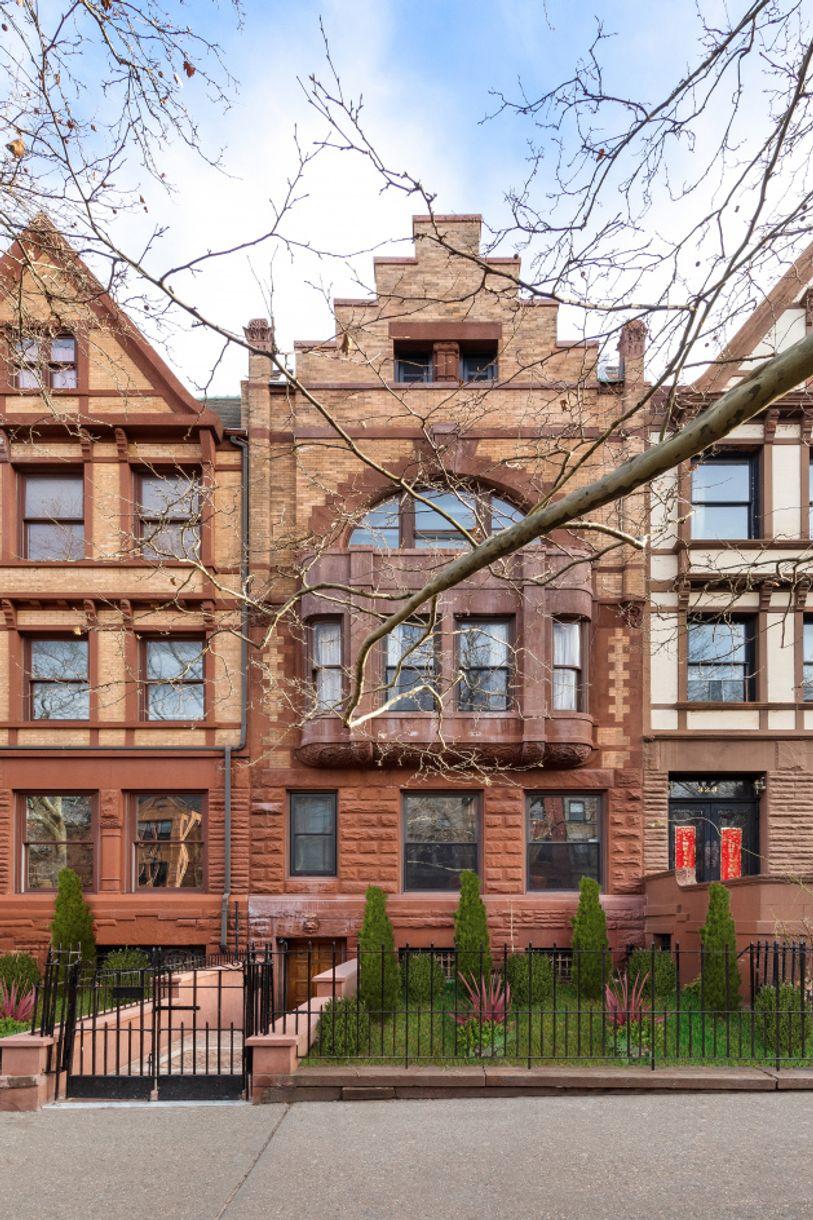 325 Convent Avenue