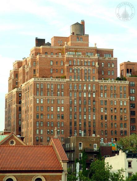 London Terrace Towers - 470 West 24th Street