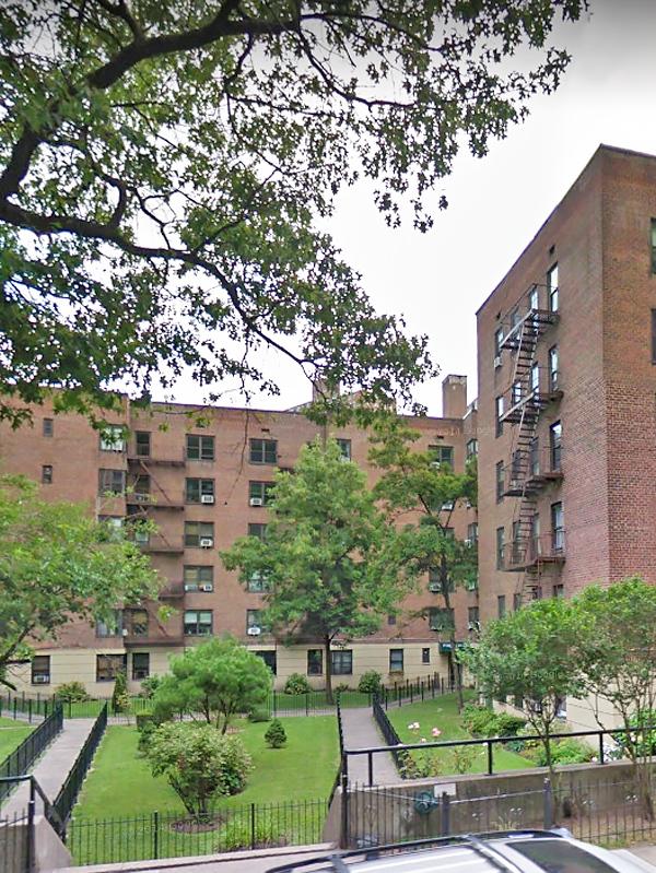 Fort Tryon Gardens, 4489 Broadway