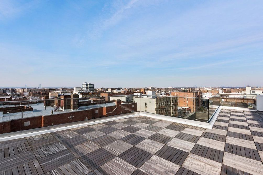 1769 East 13th Street Roof Deck