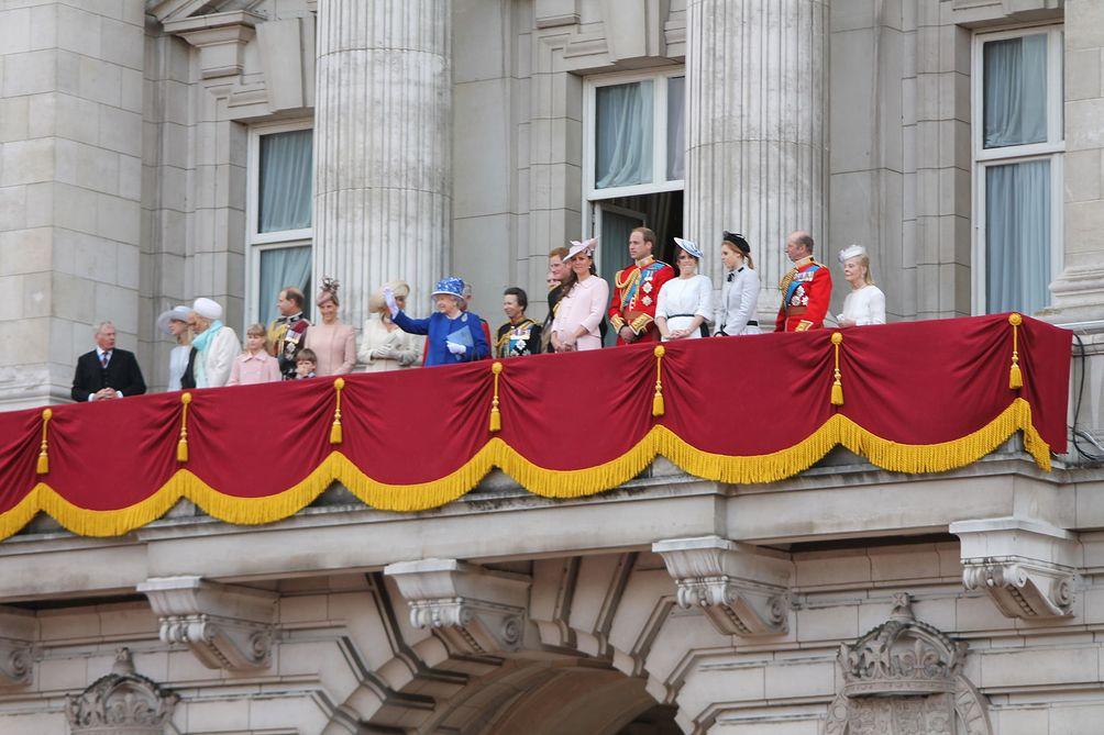 he royal family on the balcony of Buckingham Palace