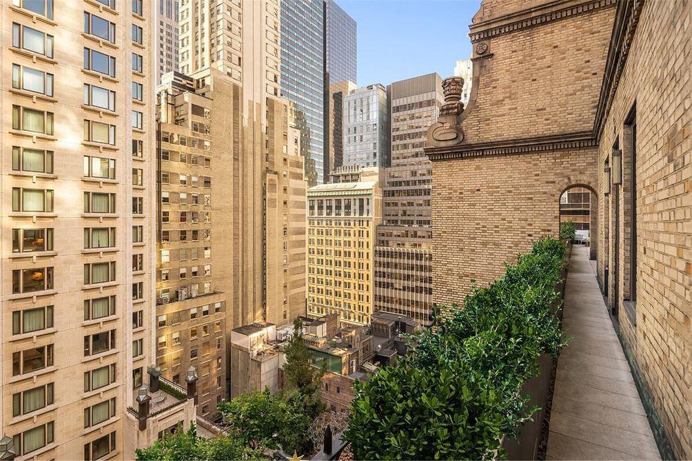 480 Park Avenue exterior and views