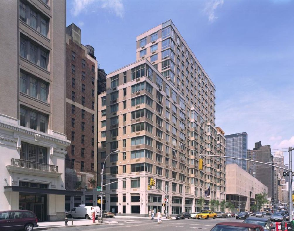 Chelsea Centro At 200 West 26th Street Between 7th Avenue And 8th In Orthographics Costas Kondylis Partners