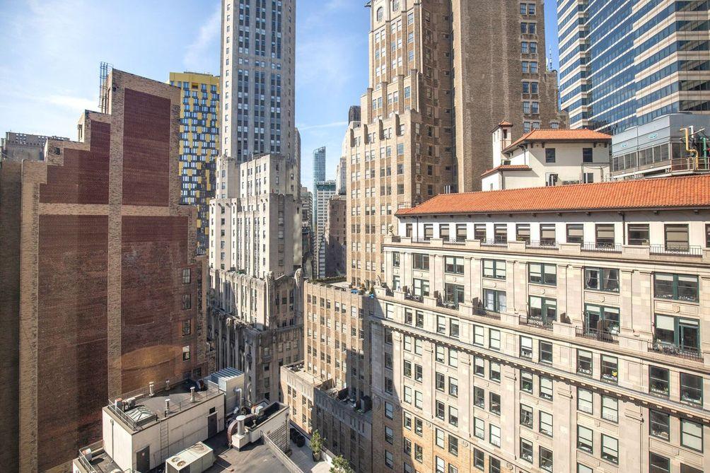 75-Wall-Street-04