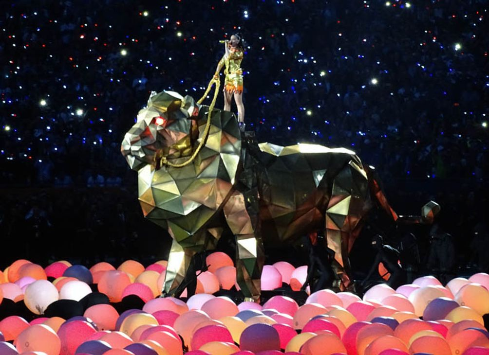 Katy Perry opening the halftime show.
