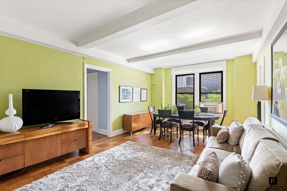 Westwind living room