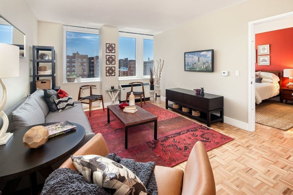 97-45 Queens Boulevard interiors