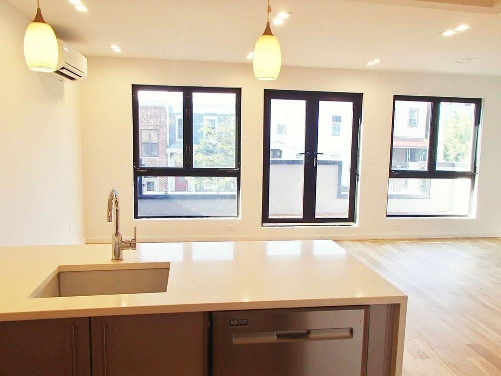 546 Lafayette Avenue interiors