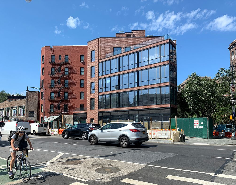 200-West-11th-Stree-02