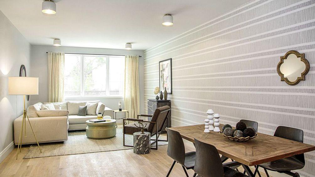 98-16-street-living-room