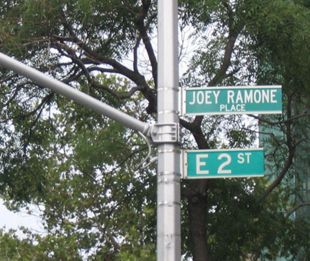 Joey-Ramone-Place-01