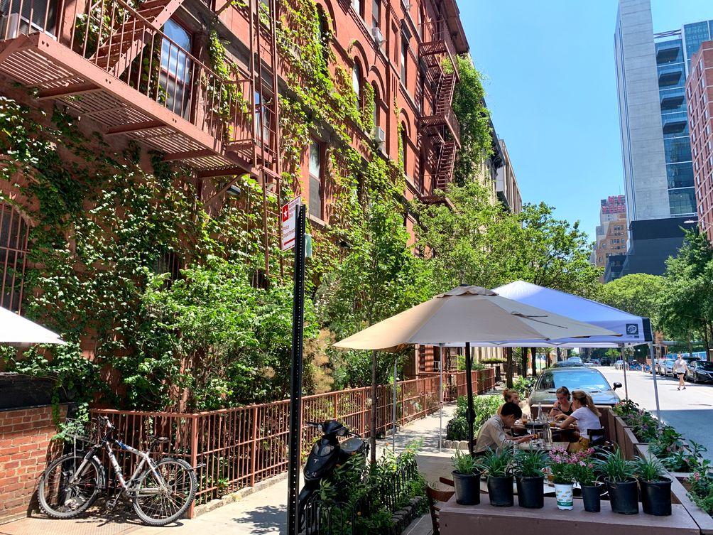 NYC outdoor dining ondel