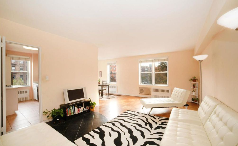 3901-Independence-Avenue-1